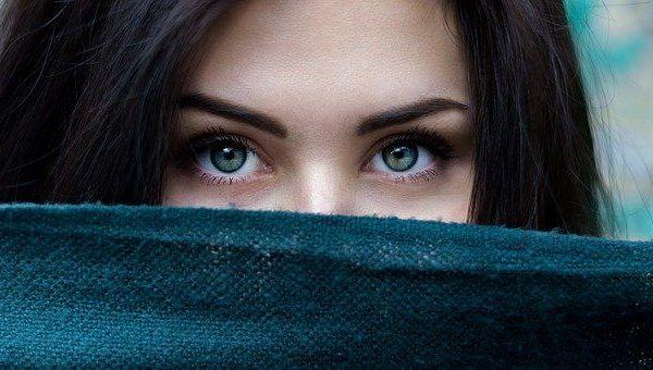 cómo hacer crecer las cejas