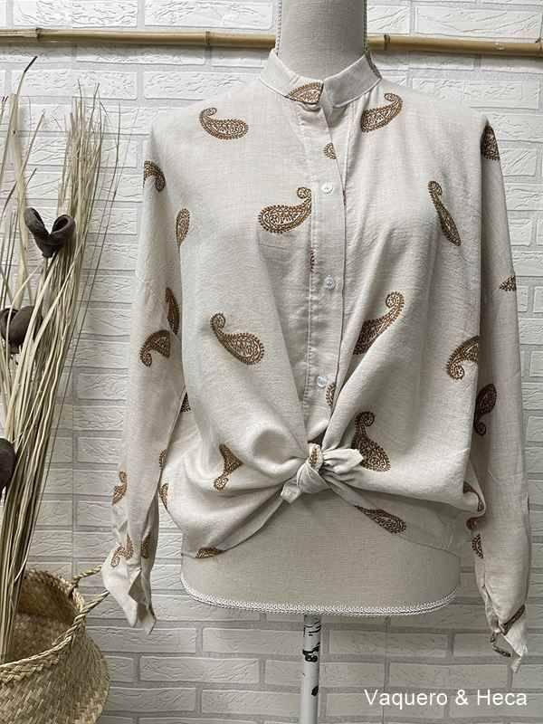 camiseta-bordado-cachemir