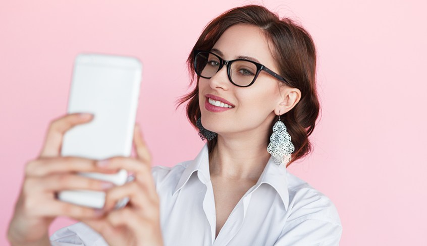 Is Your smartphone damaging your skin?