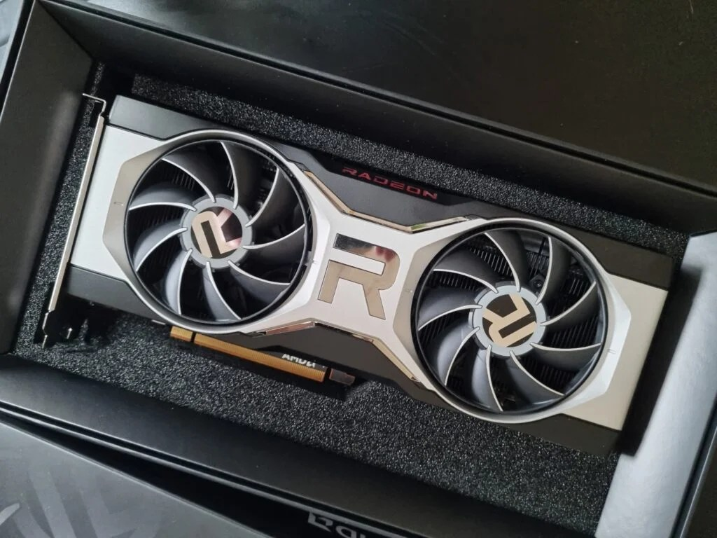 AMD Radeon RX 6700 XT box