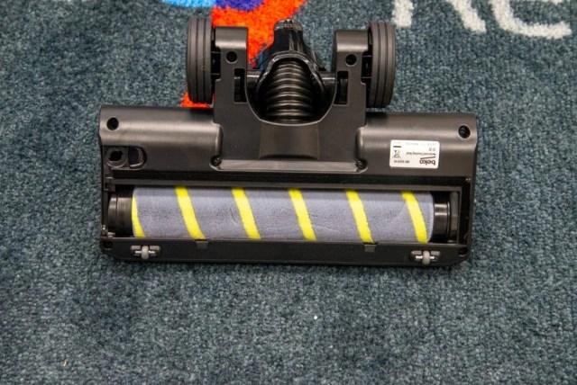 Beko PowerClean Cordless Vacuum Cleaner VRT94929VI installing the soft roller