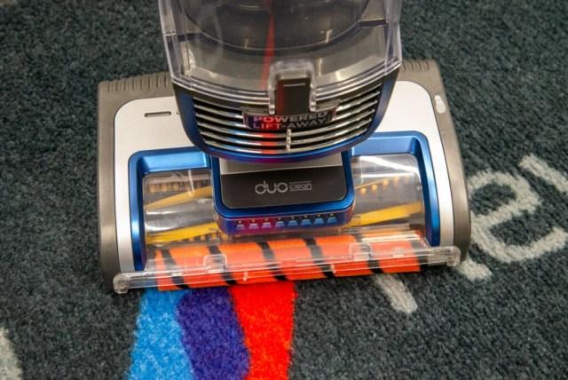 Shark Anti Hair Wrap Upright Vacuum Cleaner with Powered Lift-Away and TruePet NZ850UKT floor head