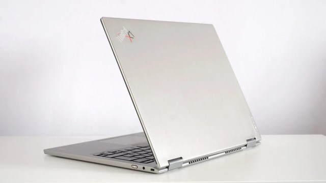 Lenovo ThinkPad X1 Titanium Yoga rear