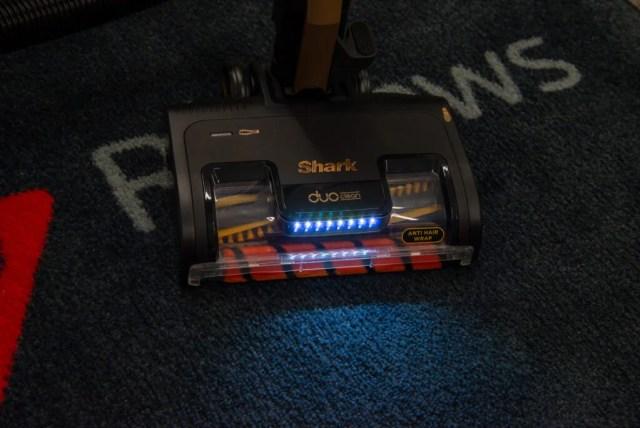 Shark Bagless Cylinder Vacuum Cleaner CZ500UKT head LED