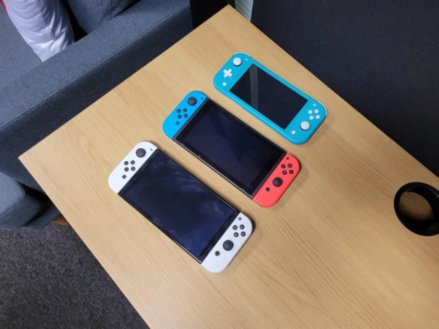 Nintendo Switch OLED, stand Switch and Switch Lite