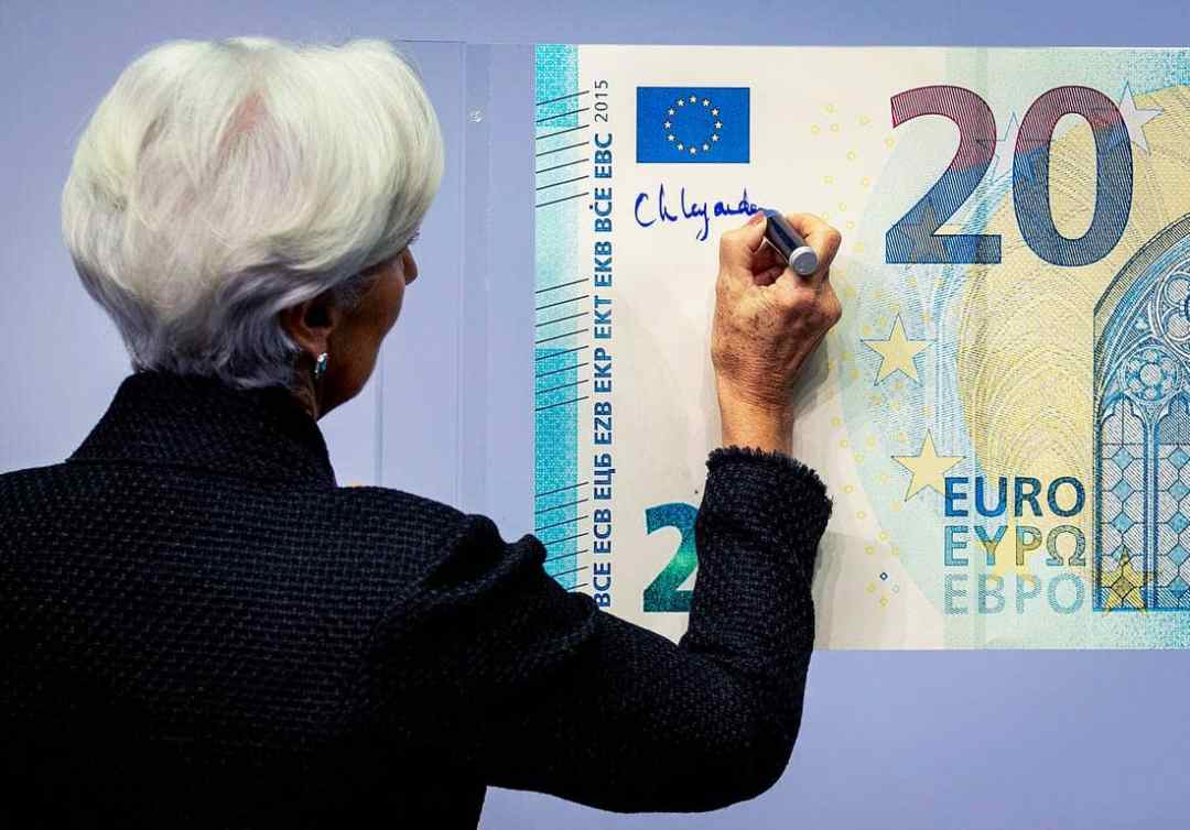 Legard fiating euros by hand signature
