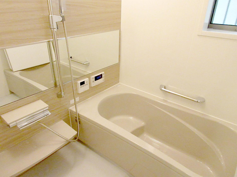 浴室の色も選んでいただけます♪浴室乾燥暖房機付(ミストカワック付)