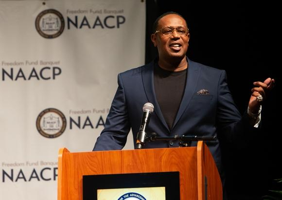 "Hip-Hop icon and Businessman ""MASTER P"" offers encouragement to the Youth at NAACP banquet"