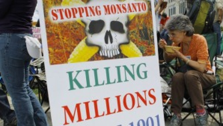 monsanto-lobbied-overseas.si