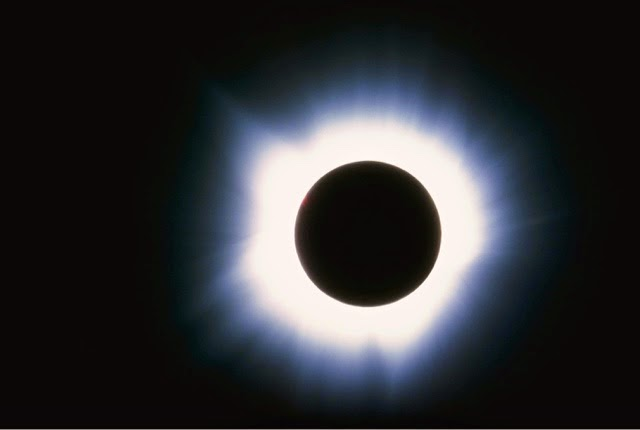 Super_Moon_Solar_Eclipse