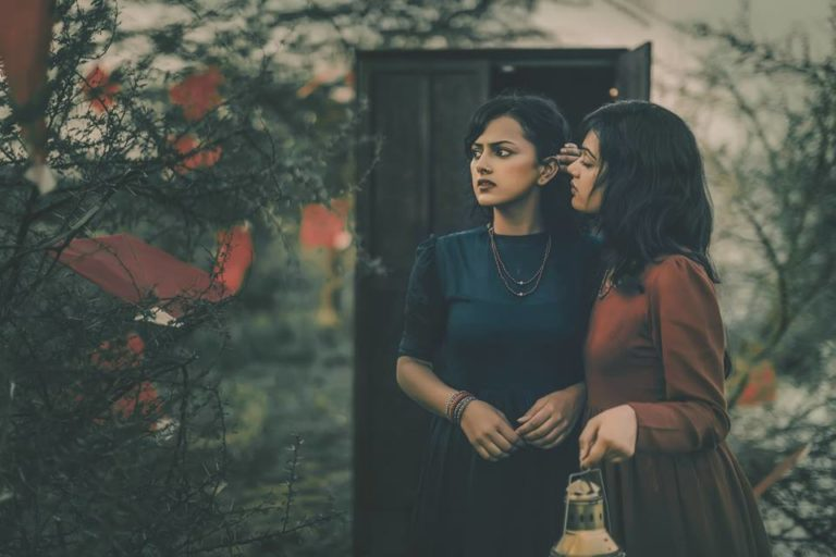 photographer-tells-tragic-indian-lesbian-story-through-30-heartbreaking-photos-4