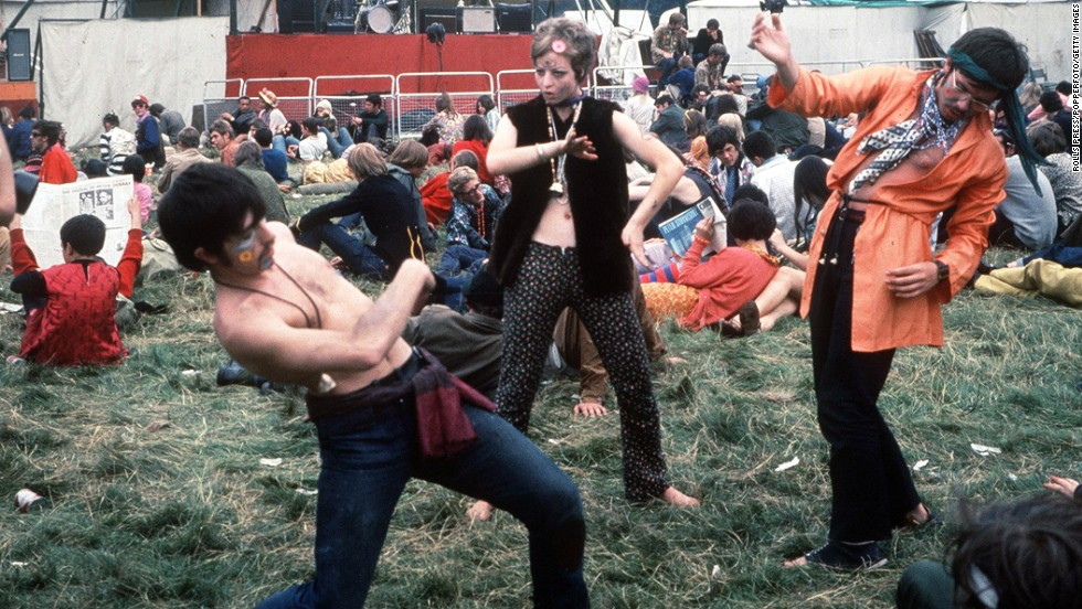 Hippies enjoy themselves Woburn Abbey, 1967