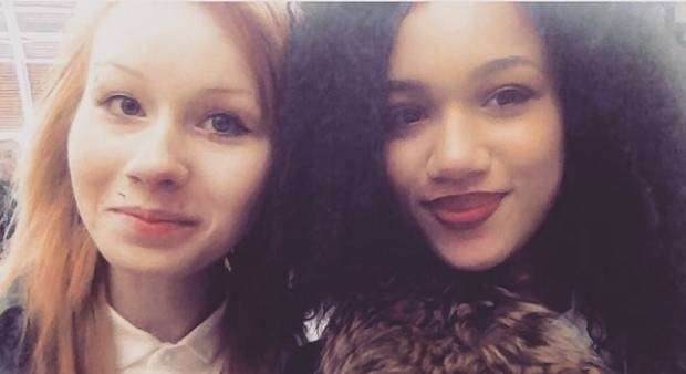 Beautiful Pictures Of The First Twin Sisters With Different Skin Colors Who Are 18 Years Old Today (6)