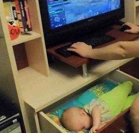 12 Things That Happen When Daddy Is Left Alone With The Baby 7