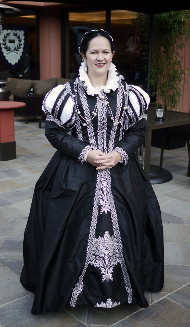 1560s gown inspired by a portrait of Isabella de Medici