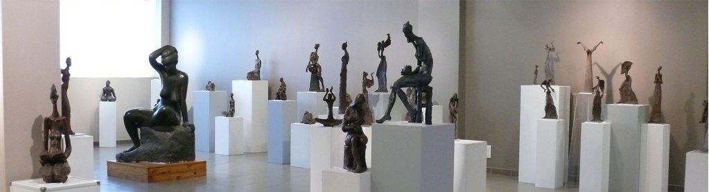 Marie-Thérèse Tsalapatanis : une Sculpture de contrastes
