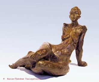 sculpture-marie-therese-tsalapatanis-figure-allonge