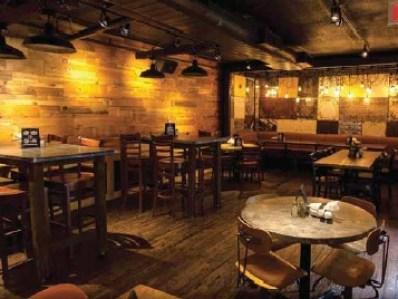 Pour House Pub & Kitchen