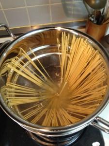 ジオ パスタパン  カッコ良くて便利なステンレス製パスタ鍋を購入♬