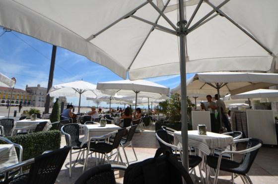 Aura 〜 リスボン旧市街 コメルシオ広場の太陽いっぱいレストラン!! [2012年夏 ヨーロッパ旅行記 その40]