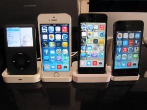 iPhone 5s 用の純正 Dock を購入したので サードパーティー製や歴代 Dock と比較してみた!