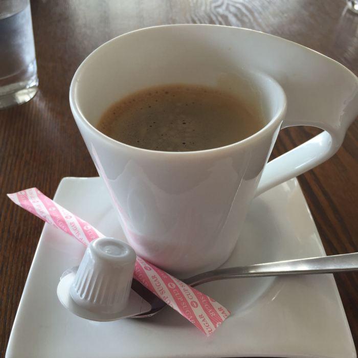 サザンビーチカフェ — 茅ヶ崎のサザンビーチ目の前おしゃれカフェ!今度は食事に来てみたい!