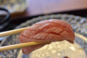 小松弥助 — 金沢の予約困難寿司店で83歳店主の神業に圧倒されっぱなし!自分的寿司No.1が書き換えられた!何もかもが美味すぎる!!