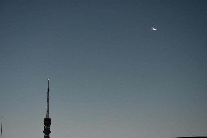 夜明けの金星と三日月、東京タワーのランデブーが美しすぎたので写真を撮ったよ♪ [港区情報]