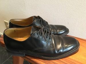 略礼服と一緒に買ってサイズが微妙に合わず全然履かなかった革靴を断捨離 [1日1捨 No.10]