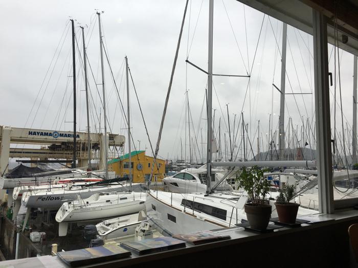 【閉店】葉山マリーナ グリーンポイント(GREENPOINT) ヨットが並ぶハーバーのカフェが落ち着いていい感じ!!  [2016年3月 葉山・三浦・鎌倉旅行記 その4]