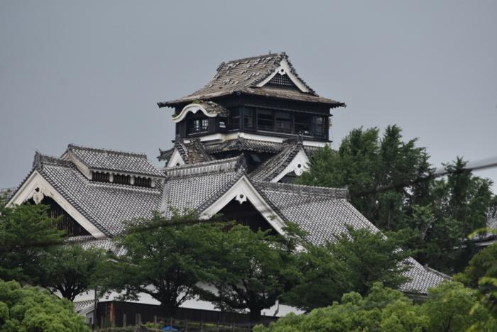 2016年7月 熊本市内 下通から熊本城にかけて歩いて見えた熊本地震の大きな傷跡   [2016年7月 福岡・熊本旅行記 その15]