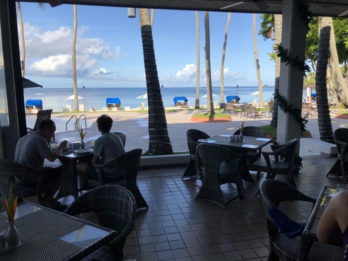 パラオ パシフィック リゾート 朝食編 〜 プールとプライベートビーチを眺める食事は朝から最高!何を食べても美味しくて飽きない!! [2017年パラオ旅行記 その14]