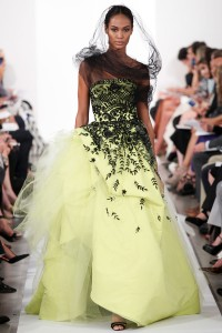 One of the runway looks from Oscar de la Renta's Spring 2014 show. Image by Marcus Tondo via Vogue.