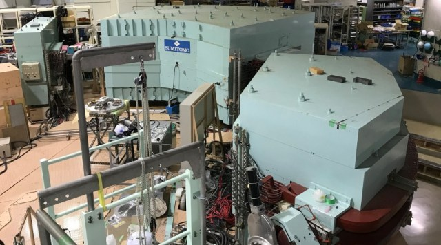 Am GRAND RAIDEN Spektrometer des RCNP fanden die Experimente statt.