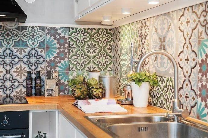 Resultado de imagem para ambiente decorado com adesivos de azulejos