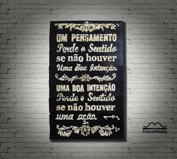 """Placa Tipográfica de Madeira por R$300,00 na <a href=""""http://www.elo7.com.br/placa-tipografica-de-madeira/dp/4C8E0F#hsn=0&df=d&uso=d&smk=0&pso=up&osbt=b-o&ss=0&sv=0"""" target=""""blank_"""">O Livro de Madeira</a>"""