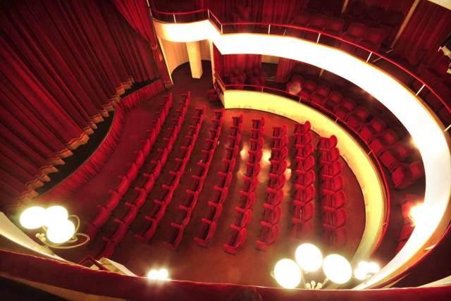 facciamo luce sul teatro