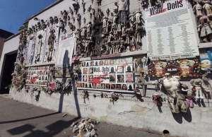 muro di bambole milano