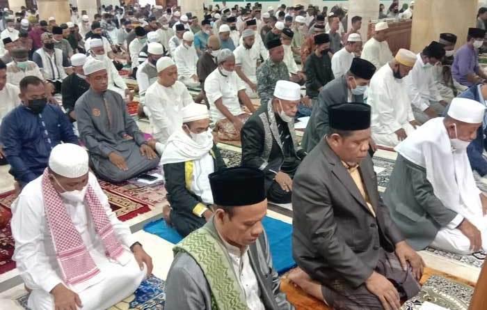 Pelaksanaan Sholat Idulfitri 1442 H / 2021 M, di Masjid Agung Al- Hurriyah 45 Kota Tual, Kamis ( 13/05/2021 )