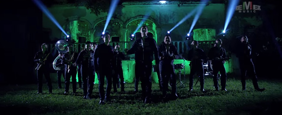 """Banda Tierra Sagrada y Regulo Caro estrenan """"No me quedé con las ganas"""""""