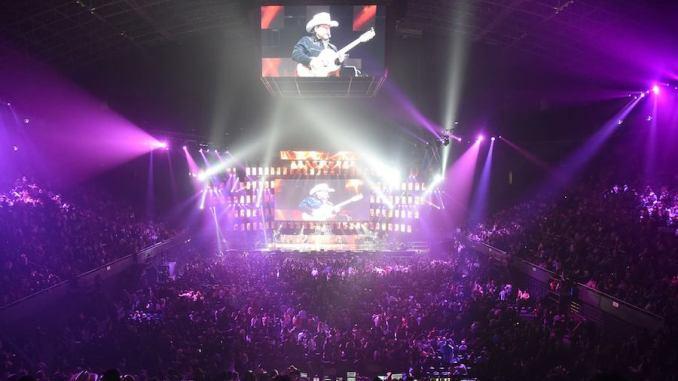 Pesado hace historia al transmitir concierto en 360º