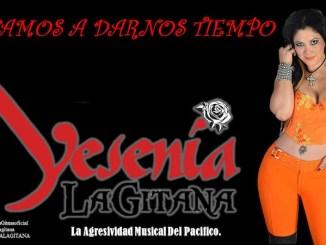 """Yesenia La Gitana presenta el clásico """"Que difícil Es"""" a ritmo de banda sinaloense"""
