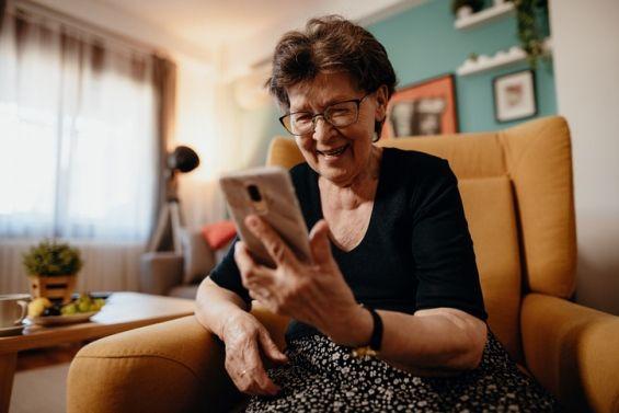 Videollamada con familiares durante el aislamiento