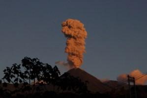 volcan reventador