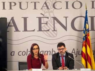La Vicepresidenta, Mª Josep Amigo; y el diputado Emili Altur.