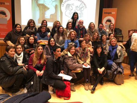 En aquesta jornada van participar docents del CEIP l'Olivera, Centre d'Ensenyament Rivas-Lluna, Col·legi Helios, CEIP El Garbí, CEIP Monte Alegre, CEIP Verge del Carme i l'Institut de l'Eliana.