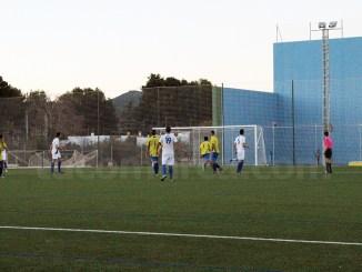 El Macastre ha logrado una meritoria victoria contra el Venta del Moro. Foto: Raúl Miralles.