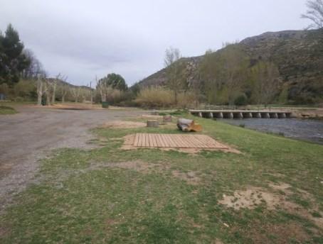 Bugarra crea un itinerario turístico accesible junto al río Turia con ayuda de la Diputació.