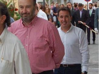 El Presidente del PP San Antonio de Benagéber J.Ramón Conejos (izqda.) junto al Secretario General Angel Osuna (dcha.)