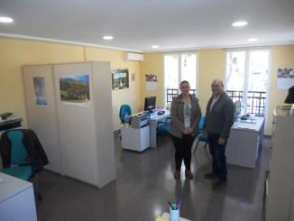 el Alcalde, Eugenio Fortaña, y la concejala de bienestar social, Núria Montero.
